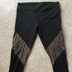 Fabletics 3/4 Leggings With Mesh/Gold Detail